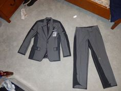 Sterling Archer Costume - Cel shade painting a costume.