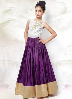 Designer Gowns for Girls. Buy online children's gowns dresses & frocks at best price for 1 to 16 years girls. Shop girls designer gowns for Wedding, Birthday, Party & Festival wear. Little Girl Gowns, Gowns For Girls, Dresses Kids Girl, Girl Outfits, Indian Dresses For Kids, Kids Indian Wear, Ethnic Fashion, Kids Fashion, Gown Dress Online