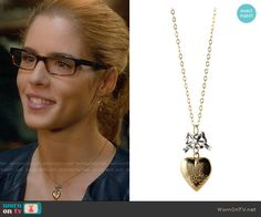 Felicity's heart necklace on Arrow.  Outfit Details: https://wornontv.net/65664/ #Arrow