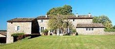 Découvrez cette propriété de prestige en Provence pouvant accueillir jusqu'à 27 personnes. Unique, au coeur d'un écrin de verdure et d'un domaine de 65 ha, ce mas a été construit au XVIIIème siècle et totalement rénové pour offrir des prestations haut de gamme. Prestige, Totalement, Rey, Provence, Mansions, House Styles, Unique, Home Decor, Lineup