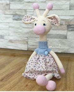 @Regran_ed from @crochetdesign_kktc - 🤗Uykucu Zürafa Tarifi 📣📣📣 Uyku arkadasinin tasarimi bana ait degil. Siparis icin gorselden bakarak… Love Knitting, Christmas Ornaments, Holiday Decor, Baby, Animals, Instagram, Amigurumi, Xmas Ornaments, Animales