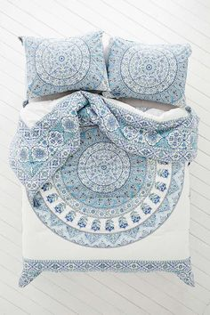 Magical Thinking Devi Medallion Comforter - Urban Outfitters