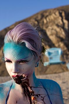 meet Mykie; makeup artist and Insta-queen - Evil siren/ mermaid make-up.