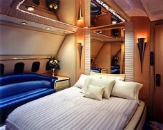 Jet Private Room of the Brunei's Sultan Jets Privés De Luxe, Luxury Jets, Luxury Private Jets, Private Plane, Luxury Yachts, Private Room, Brunei, Ivan Rebroff, Luxury Helicopter