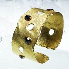 Black Diamond and Gold Cuff. Diamonds And Gold, Black Diamond, Cuff Bracelets, Jewellery, Design, Bracelets, Jewels, Schmuck