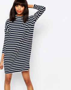De lækreste Monki Stripe Oversized T-Shirt Dress - Multi Monki Shift Kjoler til Damer i behagelige materialer