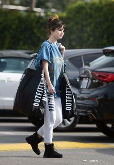 Selena Gomez Out Shopping at Urban Outfitters in Los Angeles 12/18/2019. #selenagomez  #selenagomezstyle #celebrity #fashion #clothing #closet #celebrityfashion #celebritystyle #celebritystreetstyle #streetfashion #streetstyle