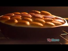 Easy S'mores Dip - chocolate & peanut butter chips on the bottom of a skillet, marshmallows on top, bake until marshmallows are browned, then dip graham crackers! Easy Delicious Recipes, Yummy Food, Pie Dessert, Dessert Recipes, Nytimes Recipes, Tasty Videos, Tailgating Recipes, Just Desserts, Sweet Tooth