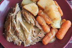 The best slow cooker roast pork recipe!- Got a nice big roast pork in the freeze Dünya mutfağı Crock Pot Slow Cooker, Crock Pot Cooking, Slow Cooker Recipes, Crockpot Recipes, Cooking Recipes, Yummy Recipes, Recipies, Pork Sirloin Tip Roast, Pork Roast Recipes