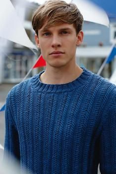 Rustic crew-neck: A/W 14/15 men's knitwear commercial update