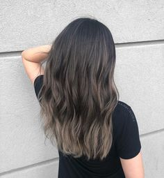 The perfect color melt 💕 Hair Color Asian, Asian Hair, Hair Color Dark, Brown Hair Colors, Dark Hair, Light Hair, Brown Hair Balayage, Brown Blonde Hair, Hair Color Balayage