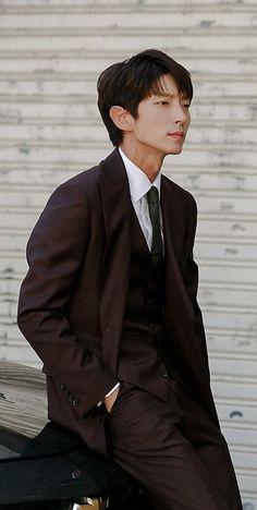 "Lee Joon Gi as Bong Sang Pil 🤜🤛 ""Lawless lawyer"" Korean Celebrities, Korean Actors, Lee Joon Gi Wallpaper, Lee Jong Ki, Korean Drama Romance, Arang And The Magistrate, Wang So, Hot Asian Men, Kdrama Actors"