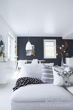 mustavalkoinen koti