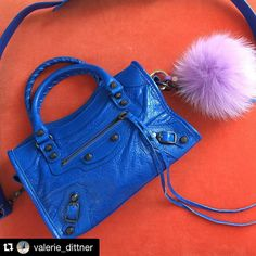 #Repost @valerie_dittner with @repostapp.  A little color for my Monday  @liketoknow.it www.liketk.it/23PiP #liketkit #ltkunder50 #furpom #furbagcharm #blue #balenciagaminicity #fblogger #fashionblogger #instagood #instastyle #monday #minibag #yogastudio55 @yogastudio55 #furpompomkeychain #Furbagcharm