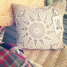 Burlap Home Decor | Doily Burlap pillow
