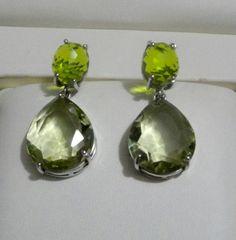 Damla küpeler herzaman klasikler arasında yer alır. Yeşilin iki farklı tonunda zarif, şık, modern damla küpelerimiz.  Başka renkler de isterseniz biz de yaparız tabii  #kupe #küpe #earring #earrings #taki #takı #takitasarim #takıtasarım #jewelry #silverjewelry #aksesuar #accessories #green #yesil #yeşil #moda #fashion #trend #silver