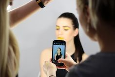 Made My Day: Golden lady, smartphone, samsung, session, make up, fashion make up