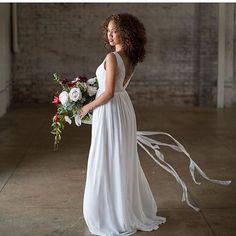 I am so ecstatic to FINALLY be able to share our #4thofjuly UNITED WE STAND styled wedding shoot! It was so phenomenal working with everyone and being able to rock these curls out and be able to work alongside my hubby! More photos are featured on @greenweddingshoes website!! To all my naturalistas... Never be afraid to wear your beautiful natural hair on your big day!#greenweddingshoes#america#unitedwestand…