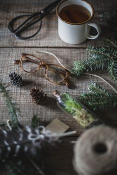 A Local Milk Christmas | Warby Parker Lyle Glasses + DIY Tree Trimming Garland
