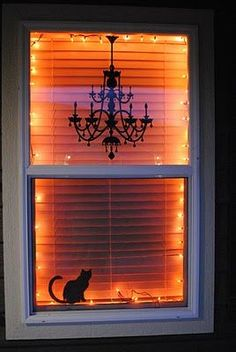 DIY Black Cat Silhouette for Halloween and lots more DIY Halloween decorations! Spooky Halloween, Halloween Veranda, Theme Halloween, Holidays Halloween, Halloween Crafts, Happy Halloween, Halloween House Decorations, Fall Window Decorations, Outdoor Halloween