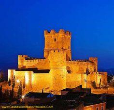 Atalaya Castle (Castillo de la Atalaya or Castillo de Villena), Villena, province of Alicante, southern Spain. - www.castlesandmanorhouses.com