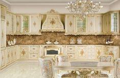 meubles de charme, cuisine dorée, dosseret en marbre, lustre en cristaux, décoration baroque