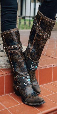 Slingback Shoes, Women's Pumps, Fancy Shoes, Me Too Shoes, Womens Fashion Sneakers, Fashion Shoes, Cowgirl Boots, Riding Boots, Heeled Boots