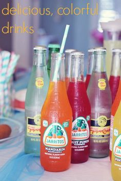 Summer Party Food - This post has great, cheap ideas for hosting a bright summer party!