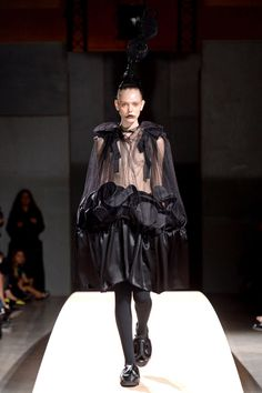 Comme des Garçons Spring 2014 RTW - Review - Fashion Week - Runway, Fashion Shows and Collections - Vogue