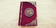 Si la magia no viene a ti, ve por ella. ¡Crea tu propio libro de hechizos!