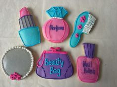 Beauty decorated cookies. Made by Pastry Chef Yolanda- www.Facebook. com/PastryChefyolanda