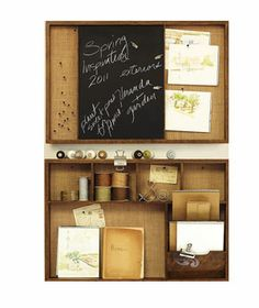I love this organizer/pinboard.  It makes mine look absolutely plain.