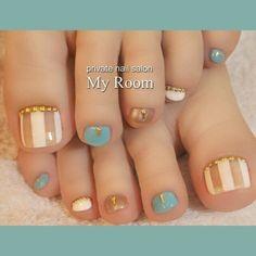 Summer toenails