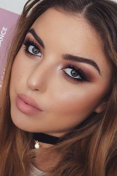 Day to Night Makeup Ideas for Winter Season to Master Right Now ★ See more: http://glaminati.com/day-night-makeup-ideas-winter/