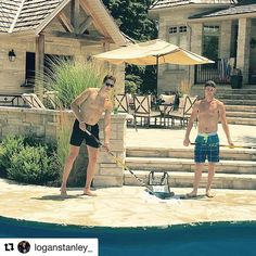Sunday Funday 🏒 #SaucerKingGame  Photo Cred: @loganstanley_ Hockey Games, Hockey Players, Kings Game, Outdoor Play, Sunday Funday, News Games, Instagram Posts, Pretty, Sports