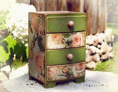 Jewelry Box Keepsake Box Treasure Box Trinket от HandmadeDecoupage, €38.00 https://www.etsy.com/ru/listing/103615012/jewelry-box-keepsake-box-treasure-box?ref=shop_home_active