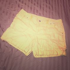I.N.C. Size 16 shorts. 100% linen I.N.C. Size 16 shorts. 100% linen. Lime green color. 5 inch inseam. Some pilling on inseam. Not noticeable (see pic). Rhinestone sparkly details. Good condition INC International Concepts Shorts