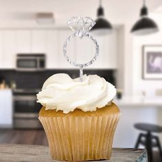 With a tapered pointy end, they can be plunged into any cake. Just pop it on the top and you're done. EAN Add to Favourites. Elegante Cupcakes, Cake Picks, Cake Pop Sticks, Diamond Glitter, Shaped Cookie, No Bake Cake, Cupcake Toppers, Baking, Desserts
