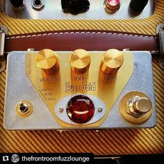 Repost @thefrontroomfuzzlounge:  The @svisound Fuzzozoid arrived todayexpect to see a few videos of me putting this great germanium fuzz pedal through its pacesI've had a brief go of it and it sounds fantastic!!!!! #fuzz #fuzzjam #svisound #fuzzozoid#germaniumfuzz #npd#instajam#instademo #instavideo #instaimprov #instaguitarist #livingroomjam #livingroomdemo #knowyourtone #tonetalk#geartalk #gearporn #knowyourfuzz #fuzzporn #fuzzpedal #ilovefuzz #fuzzaddict #fuzzjunkie