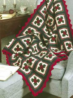Crochet Afghans Easy Christmas Granny Afghan a free crochet pattern - Free Christmas afghan patterns to crochet Crochet Pattern Free, Granny Square Crochet Pattern, Crochet Squares, Crochet Granny, Irish Crochet, Crochet Afghans, Crochet Quilt, Afghan Crochet Patterns, Crochet Blankets