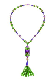 Bulgari posted a few of their high jewelry pieces from the collection exhibited at the 26th Biennale des Antiquaires in Paris to theirFacebook page