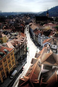 A view of Prague from St Nicholas church. Una vista de Praga desde la iglesia de San Nicolás   Flickr - Photo Sharing!