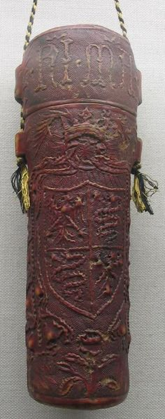 A medieval era leather case with a string - for documents and parchments - from the first half of the 15th century, this relic comes from Milano (inv. HG 214)