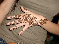 Cute Henna Designs for Hand
