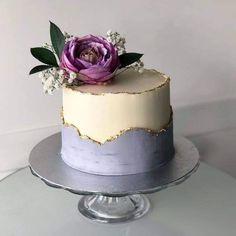 Elegant Birthday Cakes, 25th Birthday Cakes, Birthday Cake For Mom, Beautiful Birthday Cakes, Beautiful Cakes, Purple Birthday Cakes, Birthday Cake Design, Cake Decorating Designs, Cake Decorating Techniques