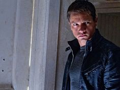 Google Image Result for http://cdn.screenrant.com/wp-content/uploads/Jeremy-Renner-as-Aaron-Cross-in-The-Bourne-Legacy.jpg