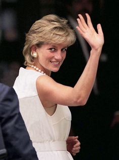 Lady Diana Spencer, wife of Prince Charles Lady Diana Spencer, Spencer Family, John Spencer, Princess Diana Family, Princess Of Wales, Kate Middleton, Diana Fashion, Diane, British Royals