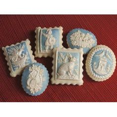 Super pretty cookies, but I think they would take a more patient hand than mine. Wedgewood cookies by Sylvia Weinstock