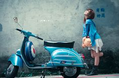 RETRO SCOOTER GARAGE: Vespa Girl