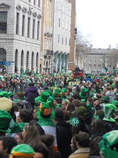#ireland #dublin #stpatricksfestival #stpatrick #festival #green #putyourgreencloths